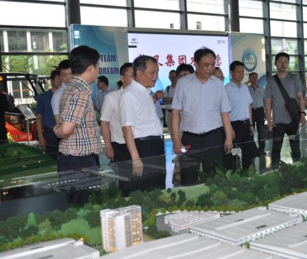 杭州市总工会主席郑荣胜调研杭叉集团产业工人队伍建设